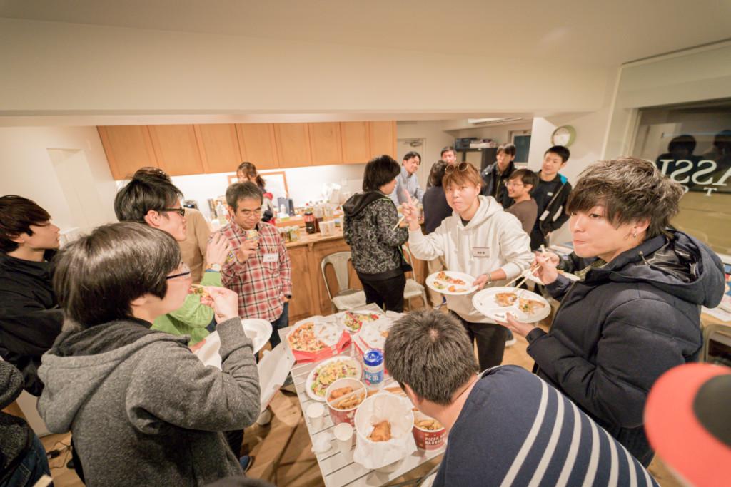 1/21(火)に大阪府堺市にあります「LAPS」様をお借りして「eRacer部1月定例オフ会」を開催することが決定致しました。前回はUK Classic Factoryで開催され大盛況となりました。